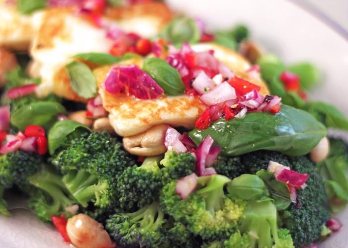 broccolisallad-med-halloumi2