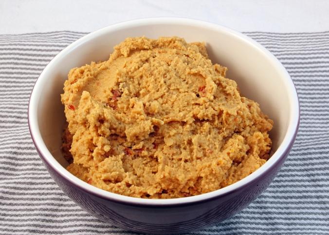 Hummus-med-soltorkad-tomat