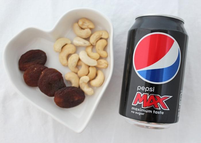 mellanmal-aprikos-cashew-pepsi