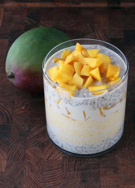 overnight-oats-chia-tofu-mango